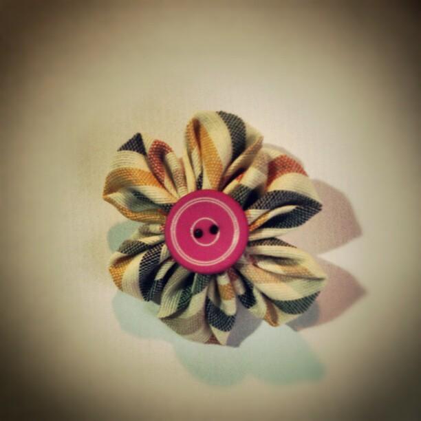 Broche flor japonesa